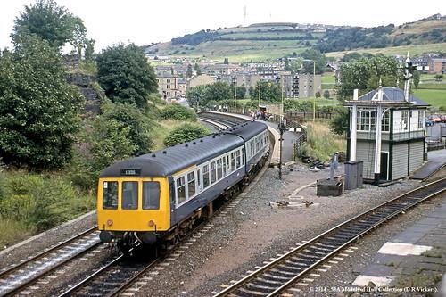 train diesel railway passenger britishrail shipley westyorkshire dmu class108