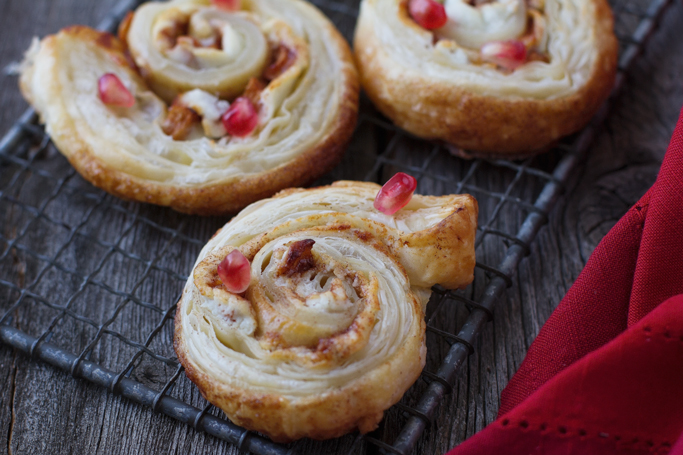 Apple & Goat Cheese Puff Pastry Pinwheels - loaded with creamy goat cheese and sweet cinnamon apple for the most delicious puff pastry appetizers! #appetizers #cinnamonapple #puffpastry #pinwheels | littlespicejar.com