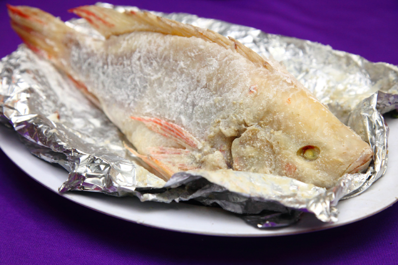 Sea-Salt-Baked-Fish