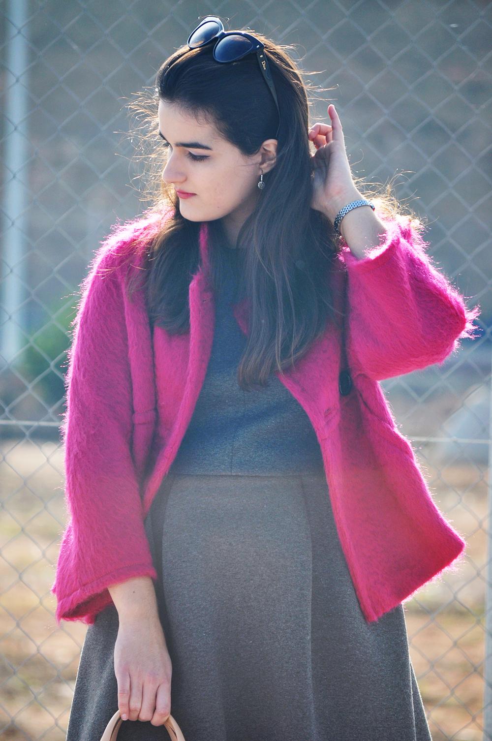 something fashion blogger valencia spain pink maxmara coat vintage carolina herrera andy seven bag small pink, leather CH bag fashion amanda r.