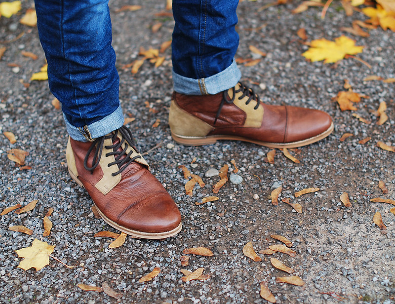 Skinny jeans and boots (over 40 menswear)