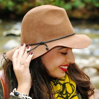 Target wool felt hat