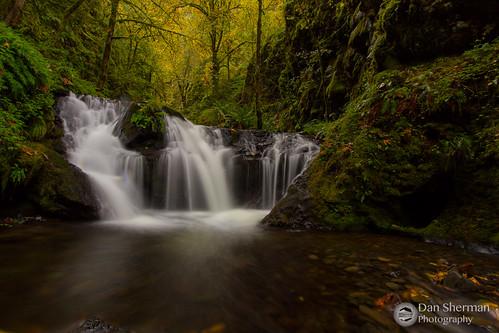 autumn fall water oregon creek waterfall unitedstates hiking falls pacificnorthwest gorge pnw columbiarivergorge emeraldfalls cascadelocks gortoncreek