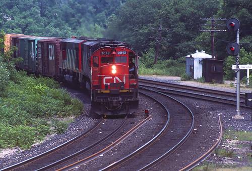 railroad cn train kl canadiannational freighttrain alco mlw hamiltonontariocanada kodachrome200 montreallocomotiveworks c630m alcolocomotive bayviewjct cn2042 alcoc630m
