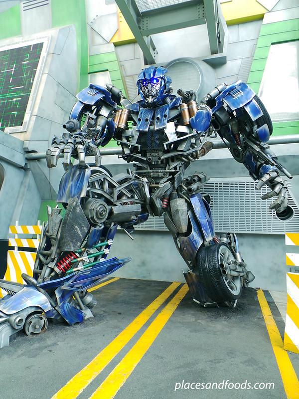 universal studio singapore optimus prime