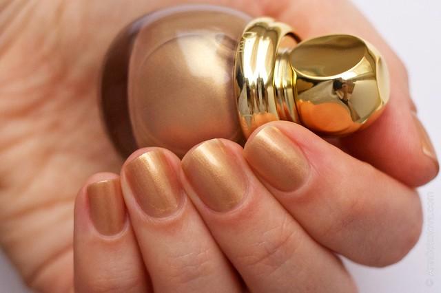 04 Dior Diorific Vernis #241 Gold Equinoxe swatches