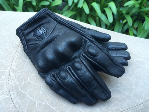 Icon Pursuit Touchscreen Gloves.