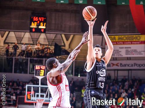 Simone Fontecchio, pallacanestro varese bologna