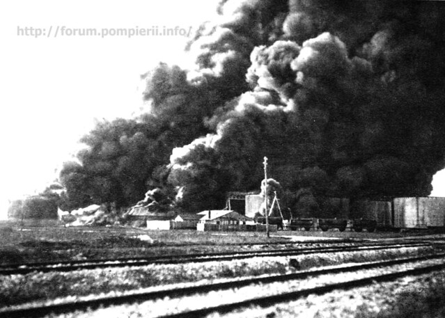 Constanta burning oil tanks 1916