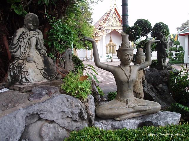 Скульптуры ВатПхо