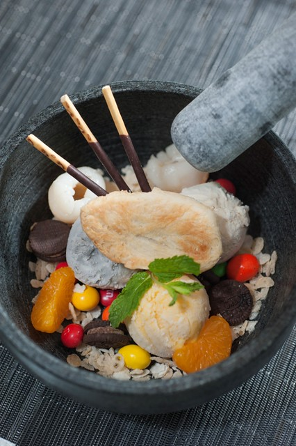 Glasshouse Hong Kong - Candy crush of ice cream, Oreo cookies, m&m's, rice crispy served in a stone bowl for two people (4)