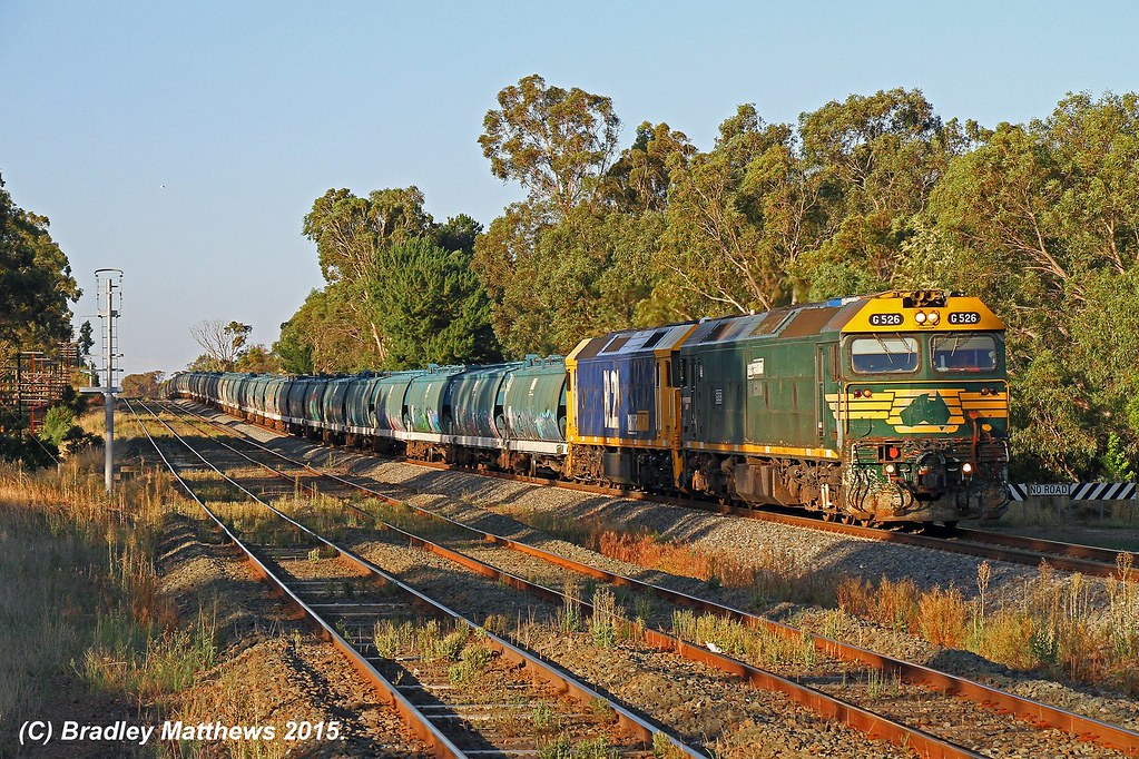G526-BL27 with 6CM6 up loaded SG grain from Oaklands to McIntyre Loop at Tallarook (23/1/2015) by Bradley Matthews