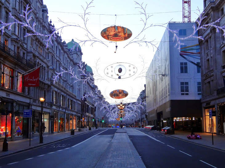 Regent-street-Hamleys-greenlight