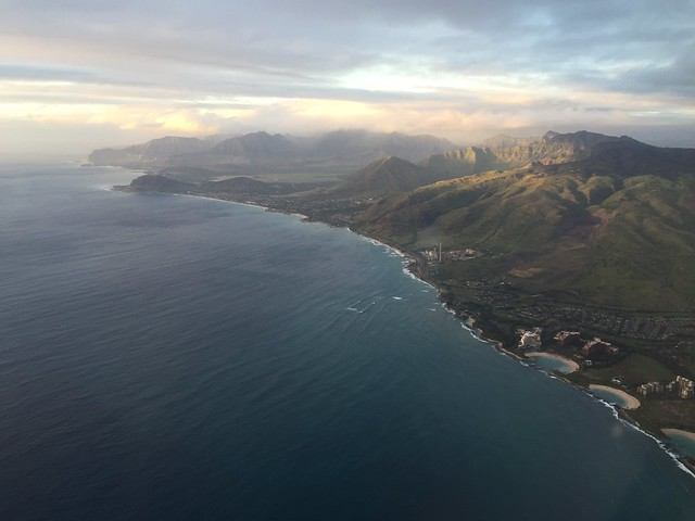 Flying into Honolulu