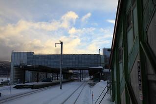 渡島大野駅から見た新函館北斗駅在来線ホーム