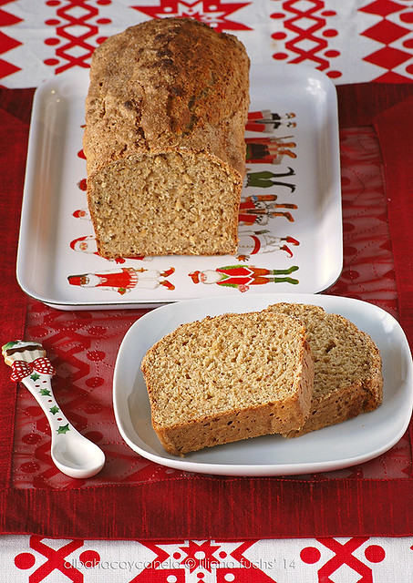 Light spice cake with buttermilk