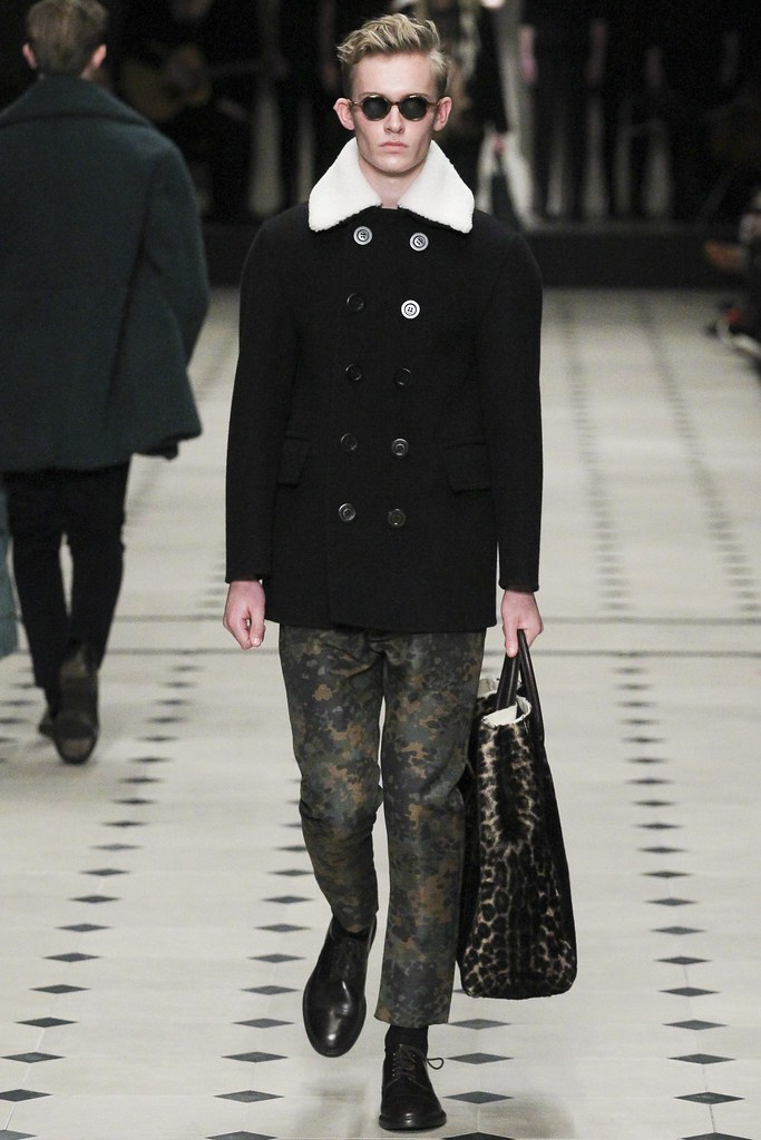 FW15 London Burberry Prorsum028(VOGUE)