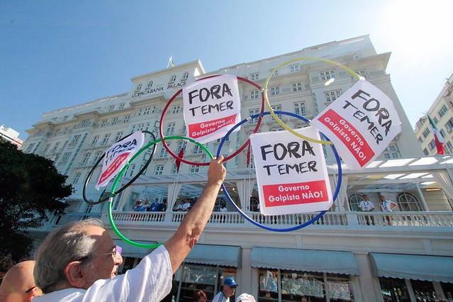 Concentración del acto ocurrió frente al Copacabana Palace  - Créditos: Midia Ninja/ Jitman Vibranovski.