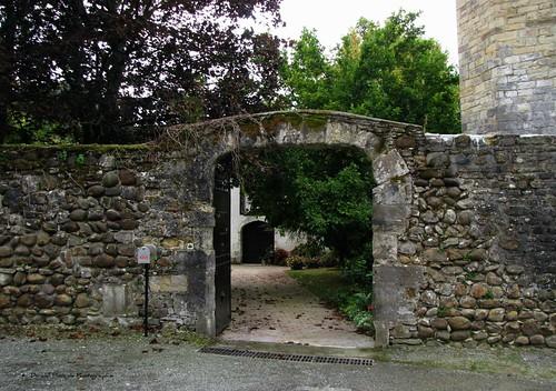 Entrée Abbaye - Lucq de Béarn (1)