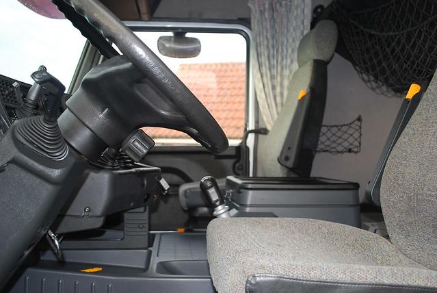 Scania 143 - Moody International
