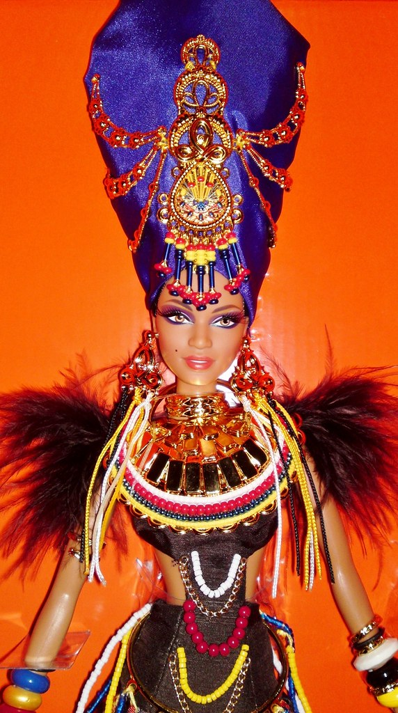 2013 Tribal Beauty Barbie (3)