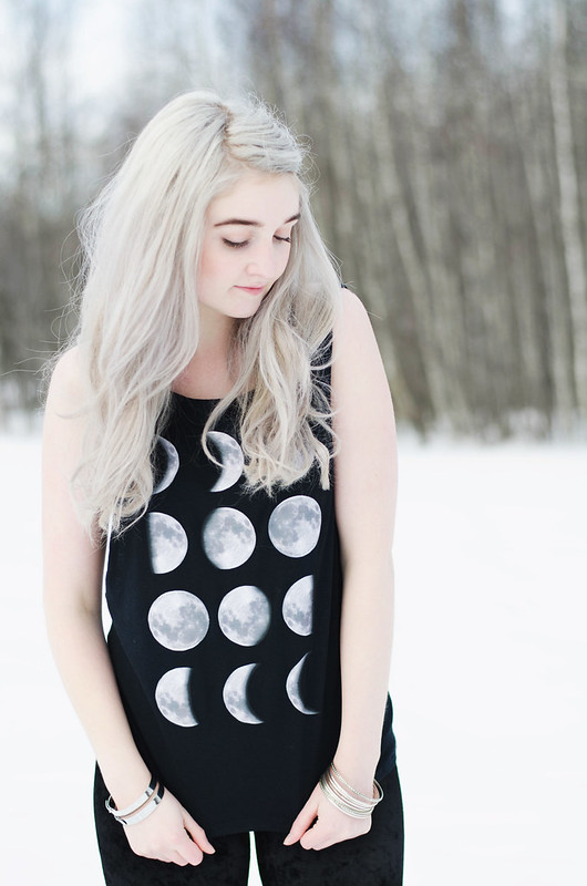 Moon Phase Shirt DIY on juliettelaura.blogspot.com