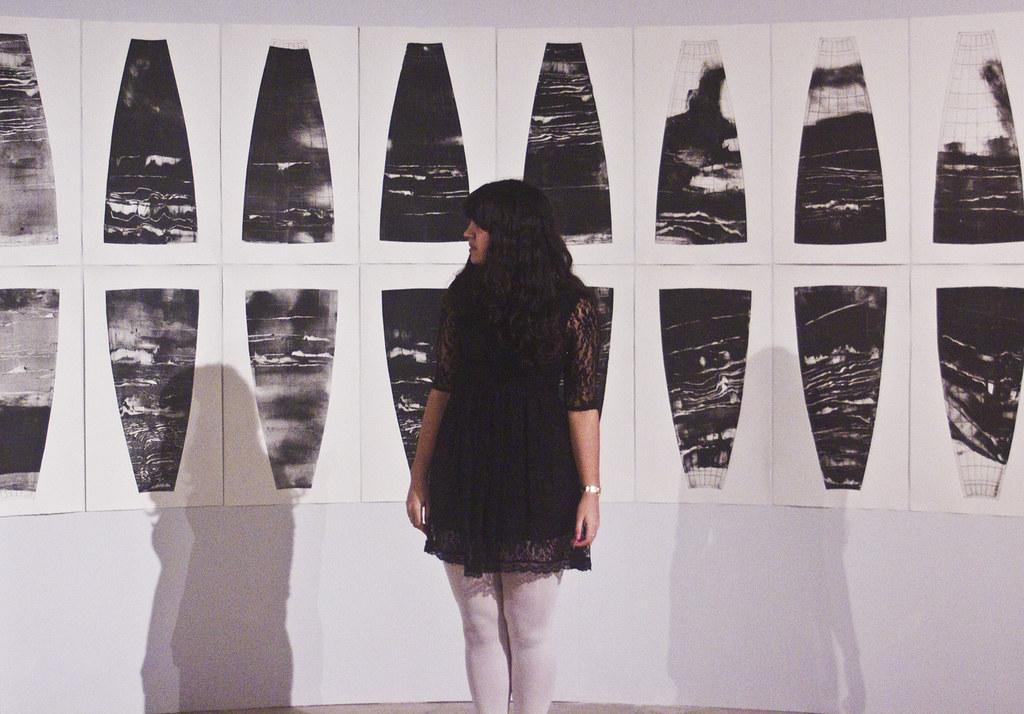 Museum of architecture cite d'architecture black dress white tights