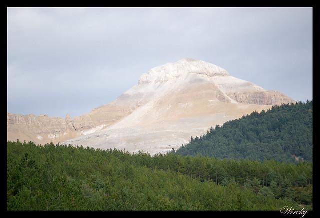 El curioso pico Collarada en el pirineo aragonés