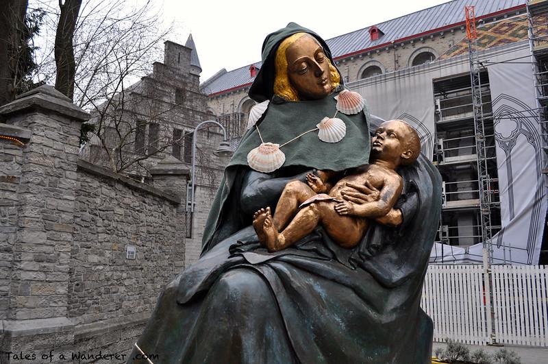 TOURNAI - Statue de Rogier van der Weyden