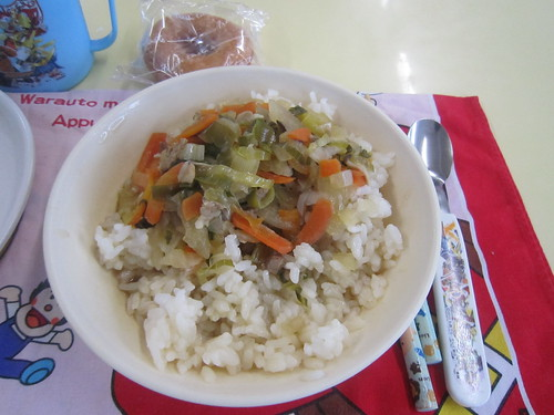 H26.12.01給食「豚丼、納豆和え」