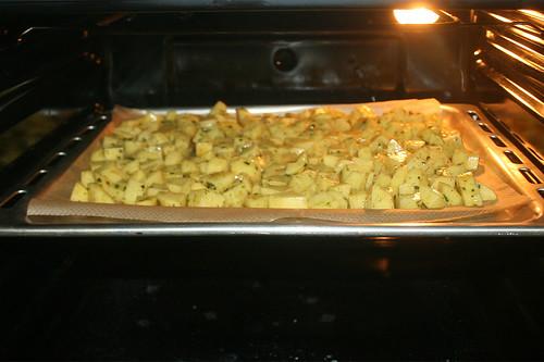 41 - Kartoffeln im Ofen garen / Roast potatoes in oven