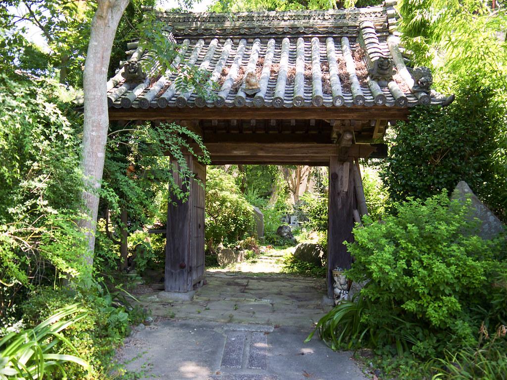 通称たぬき寺