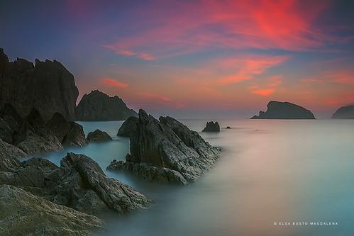 naturaleza mar agua playa amanecer verano rocas cantabria despertar liencres covachos pitusa2 elsabustomagdalena
