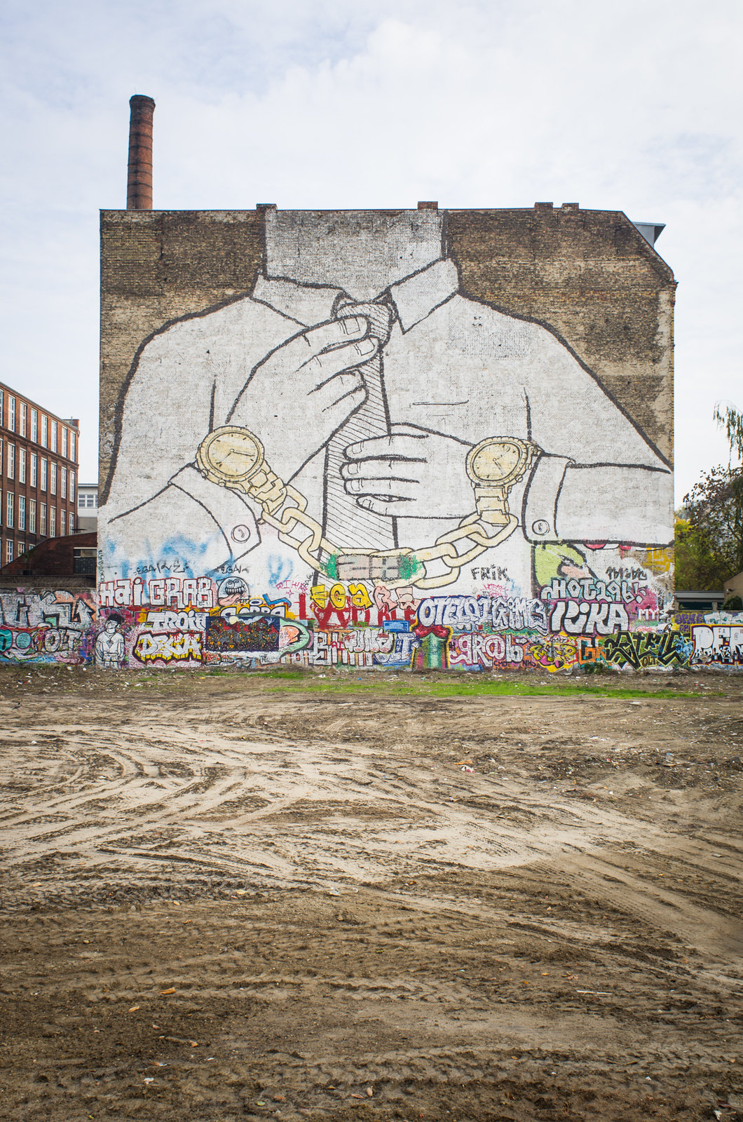 Berlin pauvre et sexy ? - Le street art de Blu (avant qu'il ne disparaisse)