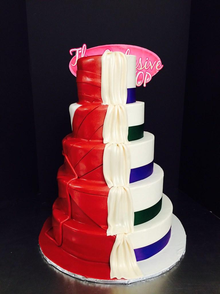 1 2 Wedding Cake Iron Man Grooms O A Style