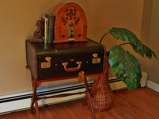 The Mendel Suitcase Table
