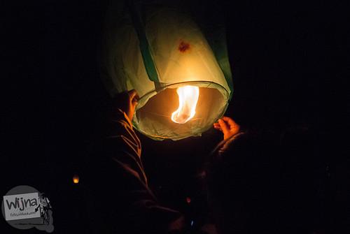 Lampion yang terbakar di Dieng Culture Festival 2014