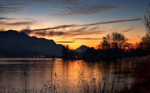 italy lake sunrise river lago dawn nikon italia alba fiume hdr lecco adda pattanaik fattal qtpfsgui mantiuk06 reinhard05 d5100