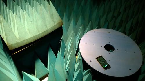 電波暗室で Jolla パワーオン!