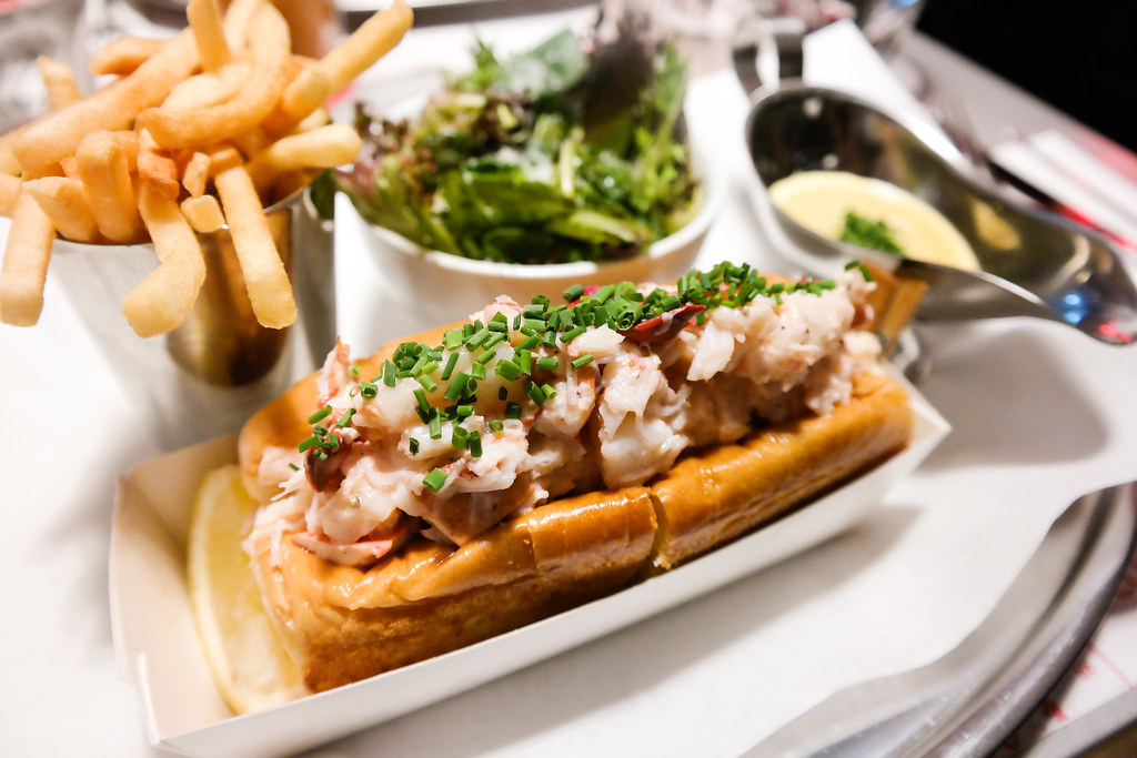 "Pince & Pints Restaurant and Bar's The lobster roll or some named it ""the lazy man's lobster"