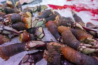 Imagine de Mercado de San Miguel. madrid food spain market mercado barnacles seafood percebes mercadodesanmiguel