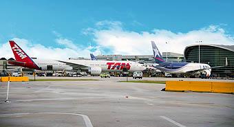 LAN y TAM en Miami (LATAM Airlines)