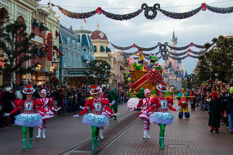 Holiday Dancers in the Christmas Parade
