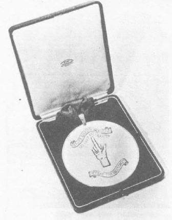 Medalla de la Orden del dedo Extendido