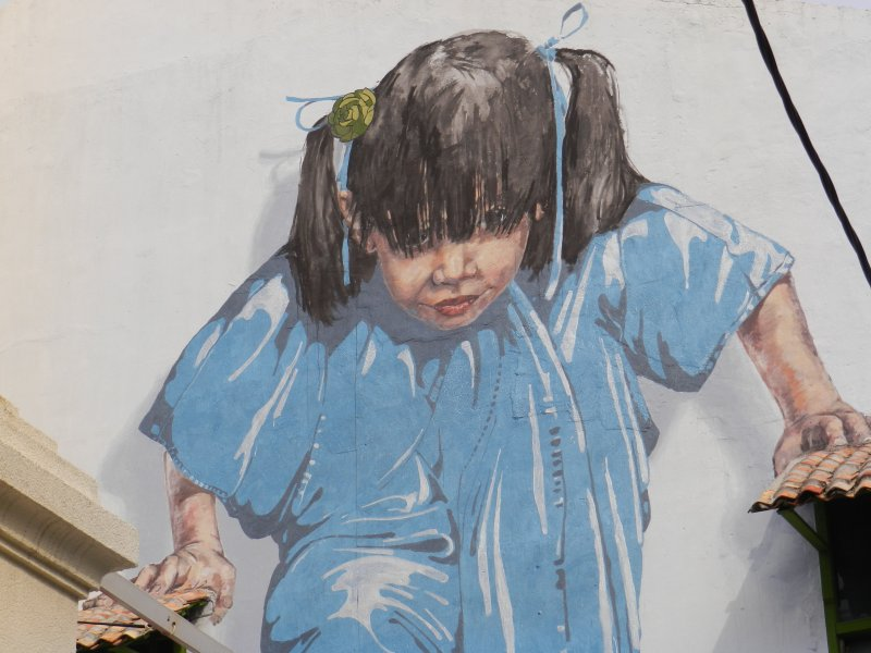 little-girl-in-blue-mural