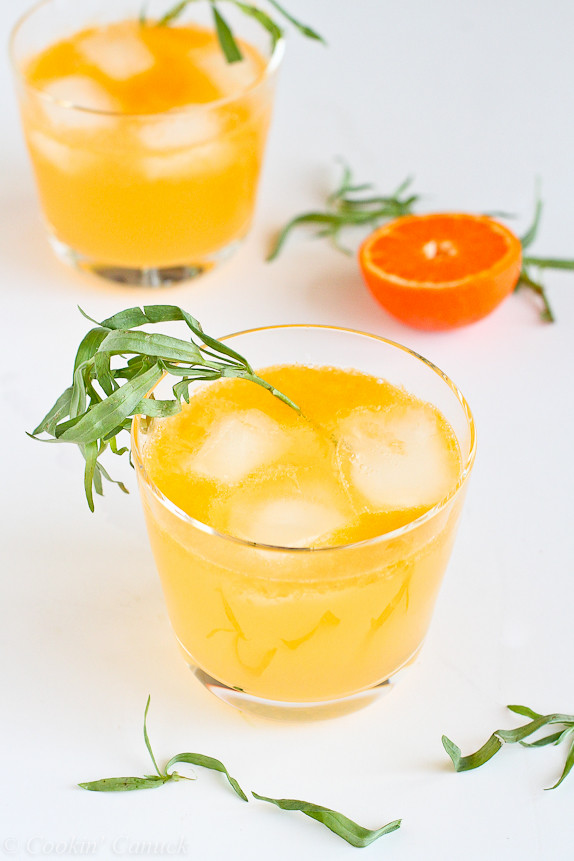 Clementine & Lemon Gin Cocktail...all natural sweeteners in this tasty drink! | cookincanuck.com