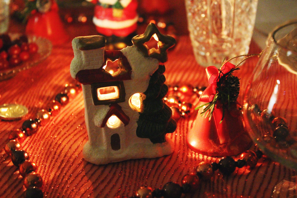 christmas-santa-house-small-decor