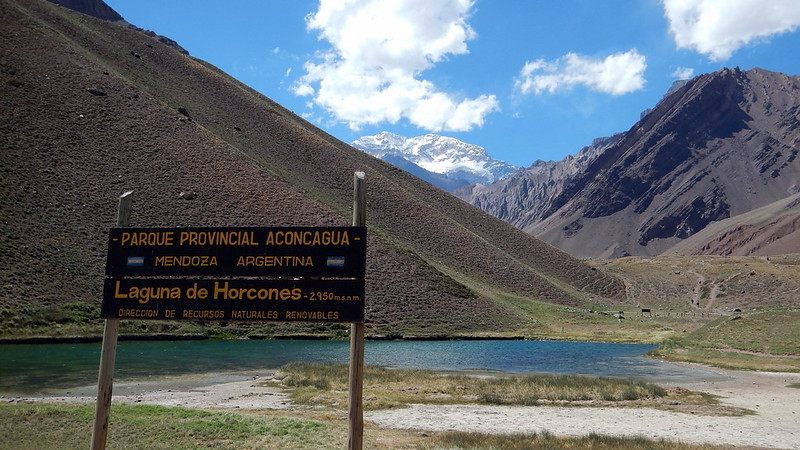 La Laguna de Horcones et le sommet de l'Aconcagua