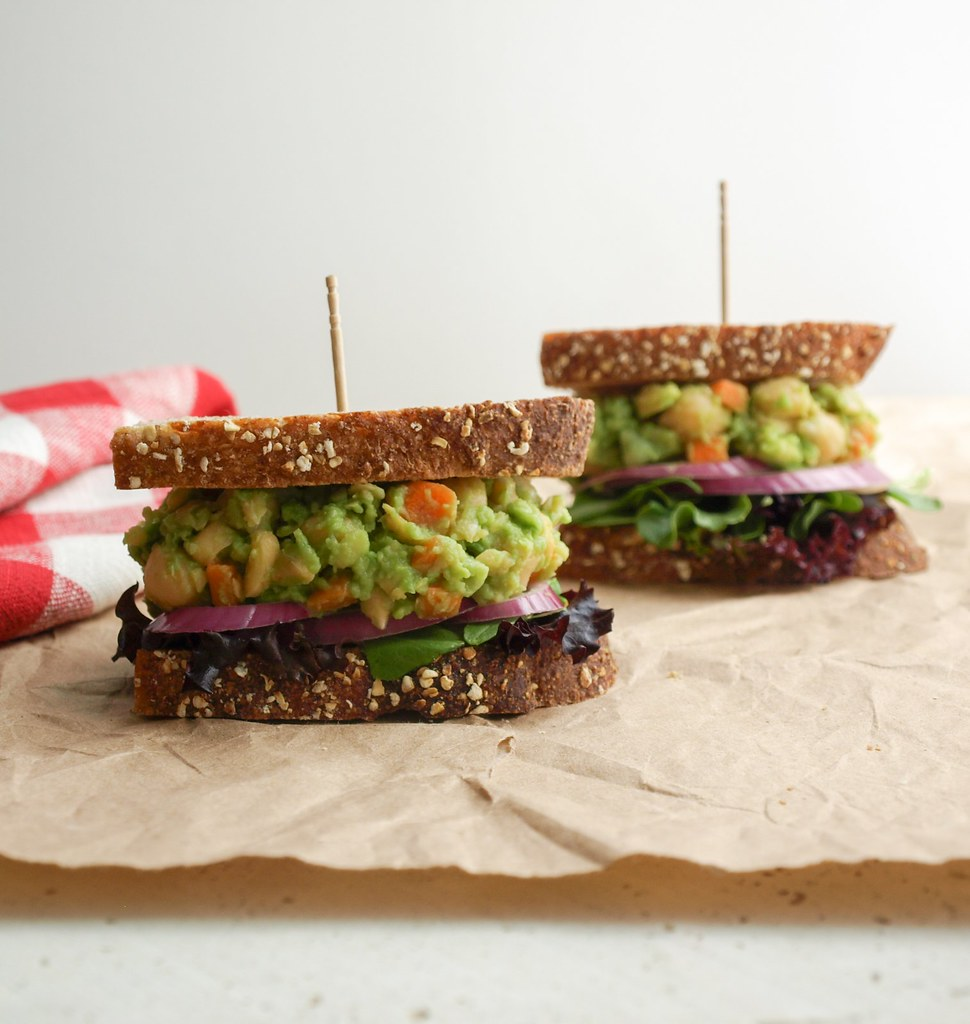MASHED CHICKPEA & AVOCADO SANDWICH
