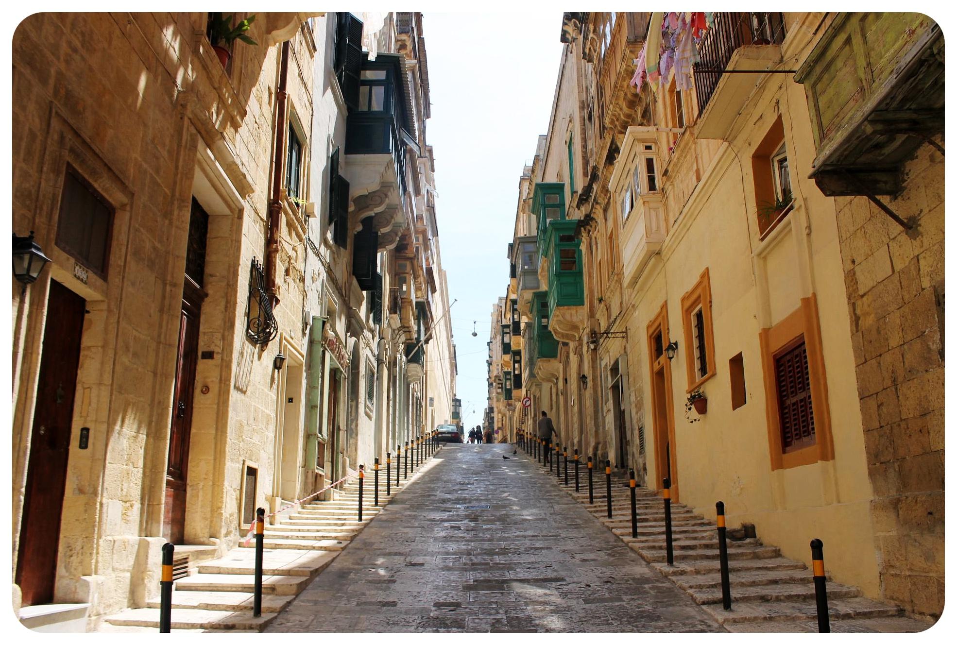 valletta steep street